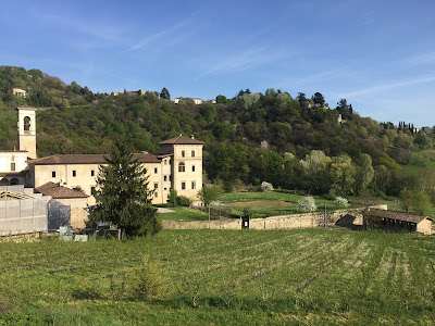 Approaching Monastero di Astino from the south