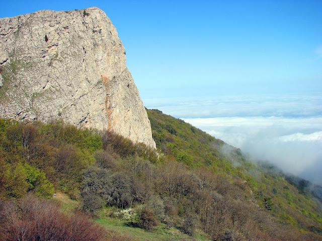 Перевал Ат-Баш-Богаз - спуск с яйлы