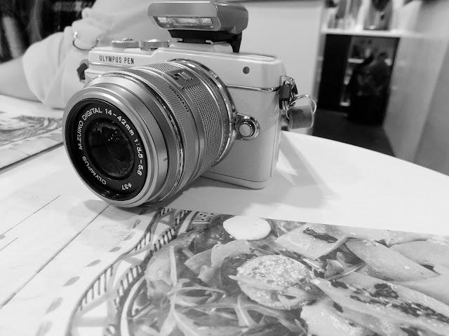 olympus pen eL7 white bloggers camera