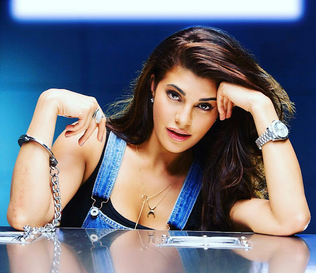 Jacqueline Fernandes Hot HD Wallpaper