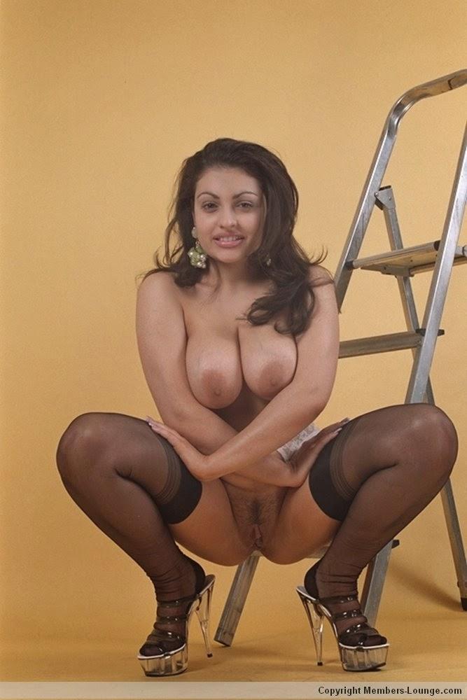 Full naked bhabhi South Indian housewife