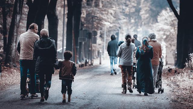 هولندا .. أزمة لاجئين كبيرة وعشرة آلاف لاجئ سيصلون هولندا