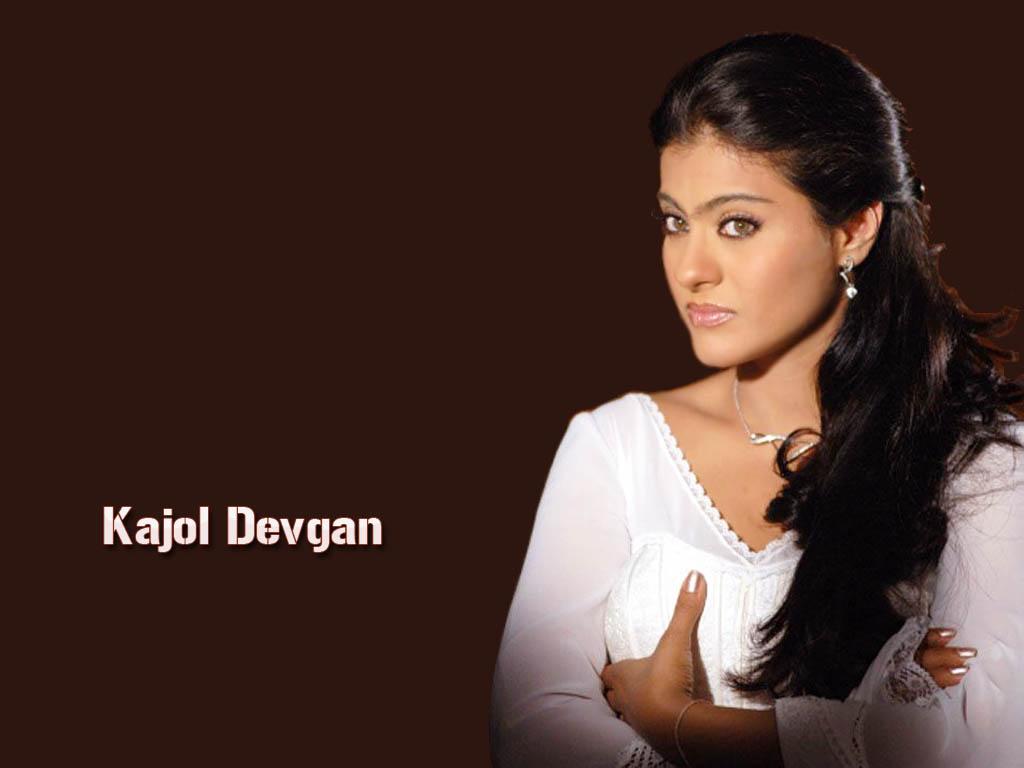 Sizzling Kajol  Actress Wallpapers-5037