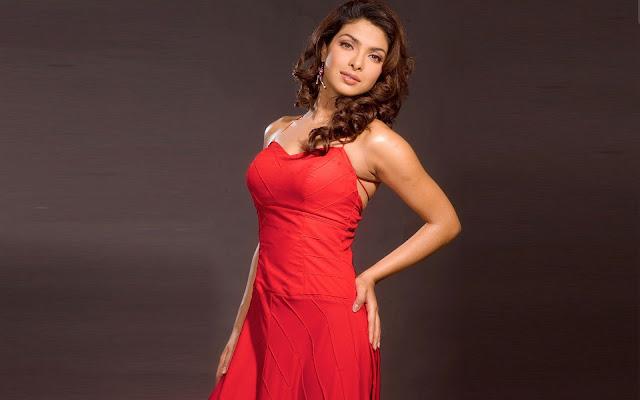 Priyanka Chopra Images, Hot Photos & HD Wallpapers
