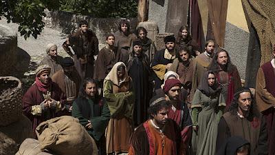 El 31 marzo del año 1492 los Reyes católicos decidieron expulsar a los judíos que residían la península Ibérica, por negarse a convertirse al cristianismo, se le dio un plazo de cuatro meses para abandonar el país.