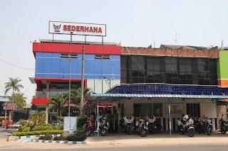 Kisah Perjuangan Pak Bustaman mendirikan rumah makan padang sederhana