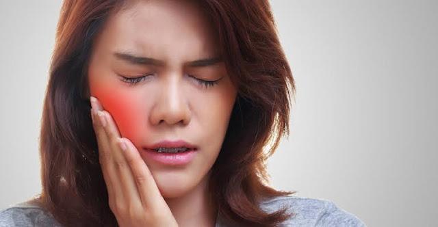 Tidak Perlu Menemui Dokter, Ini adalah 7 Cara Alami dan Sederhana untuk Mengatasi Sakit Gigi!
