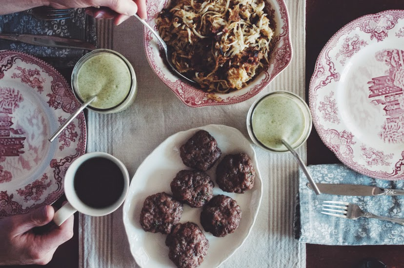 "Tropical Green Smoothie, Breakfast Sausage, Sweet Potato Hash Browns,""He Won't Know It's Paleo"" review + Giveaway (AIP & Paleo)"
