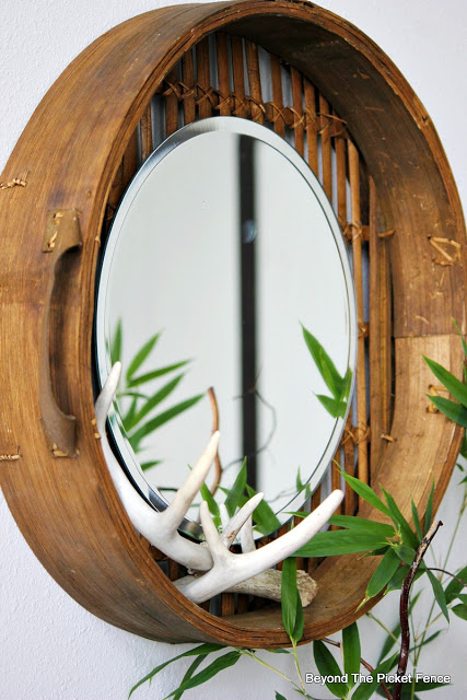 mirror, round, DIY, knockoff,  http://bec4-beyondthepicketfence.blogspot.com/2015/12/these-are-few-of-my-favorite-things_30.html
