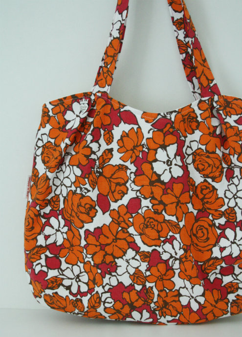 Pleated tote bag, vintage fabric | Happy in Red