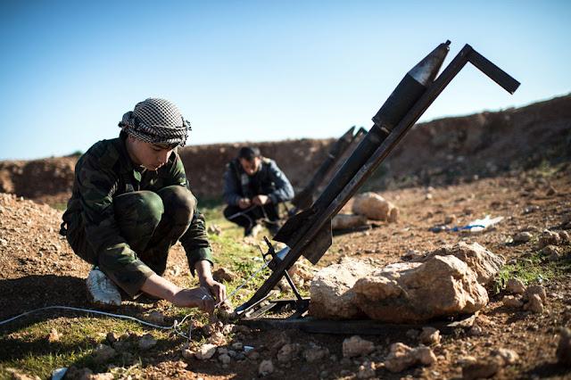 Lanzamiento de cohete improvisado en Siria