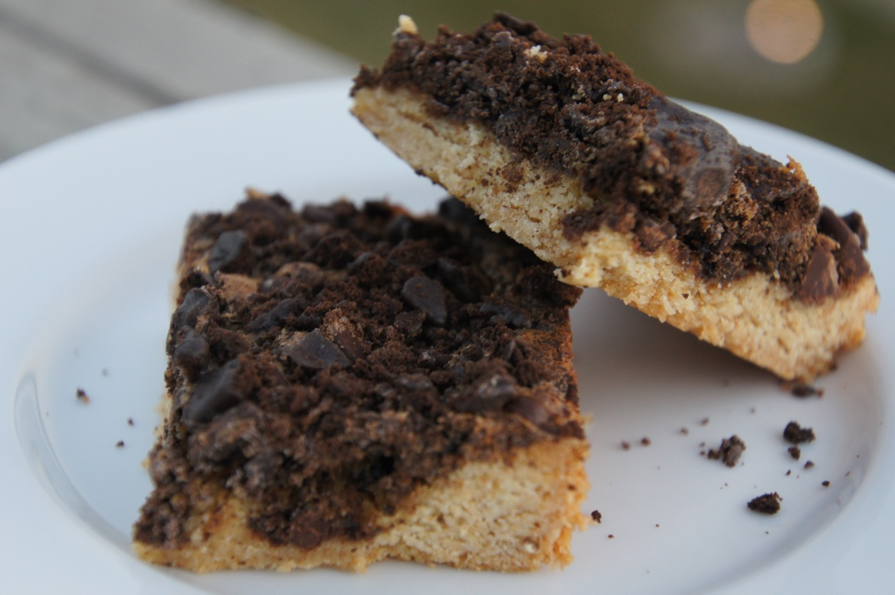 Girl Scout Cookie Thin Mint Gooey Cake Bars