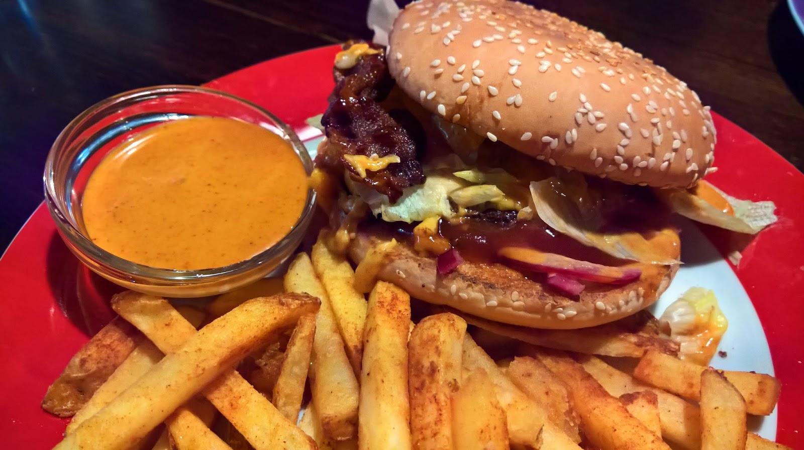 Jyväskylä hampurilaistesti hampurilainen burger mallaspulla ruokablogi pancho villa