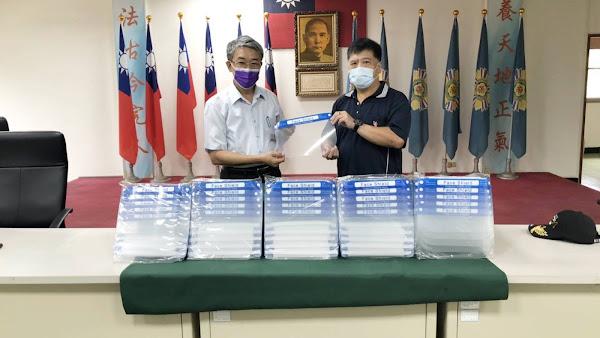 榮欣志工捐贈防疫物資 提升榮服處第一線人員防護力