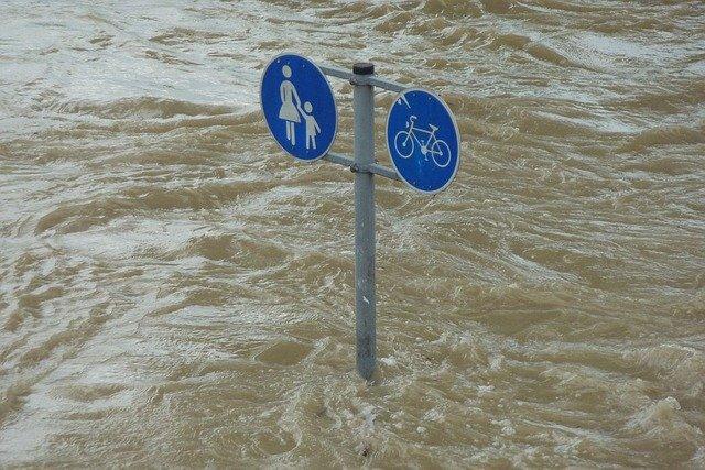 Doa Agar Diselamatkan dari Banjir Saat Hujan Terus Menerus