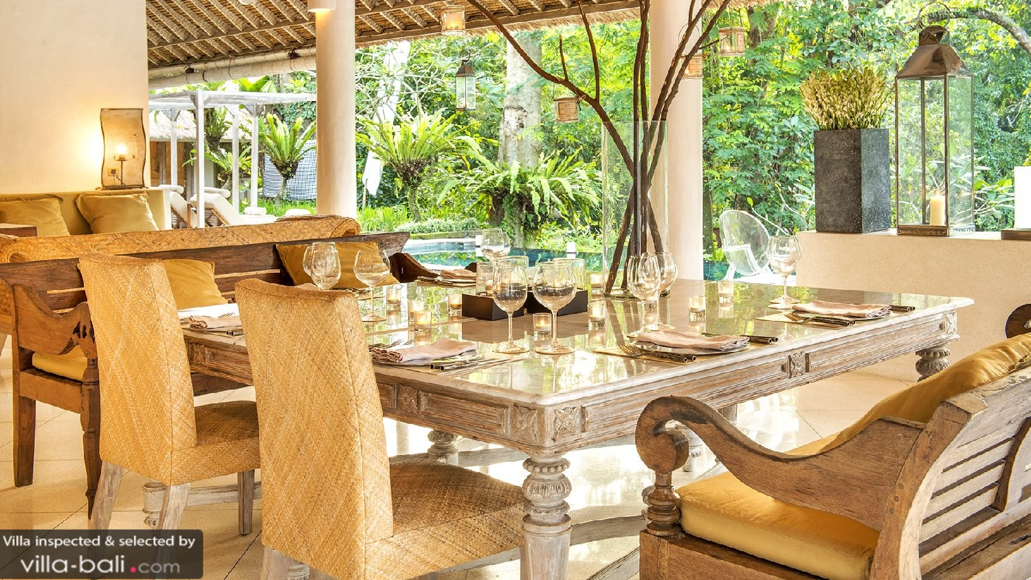 Luxury Bali Villa Dining Area