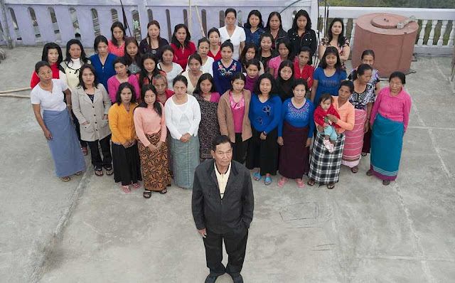 THE MAN HAS 39 WOMEN, 94 CHILDREN AND 33 GRANDCHILDREN - DISCOVER THE LARGEST FAMILY IN THE WORLD 2