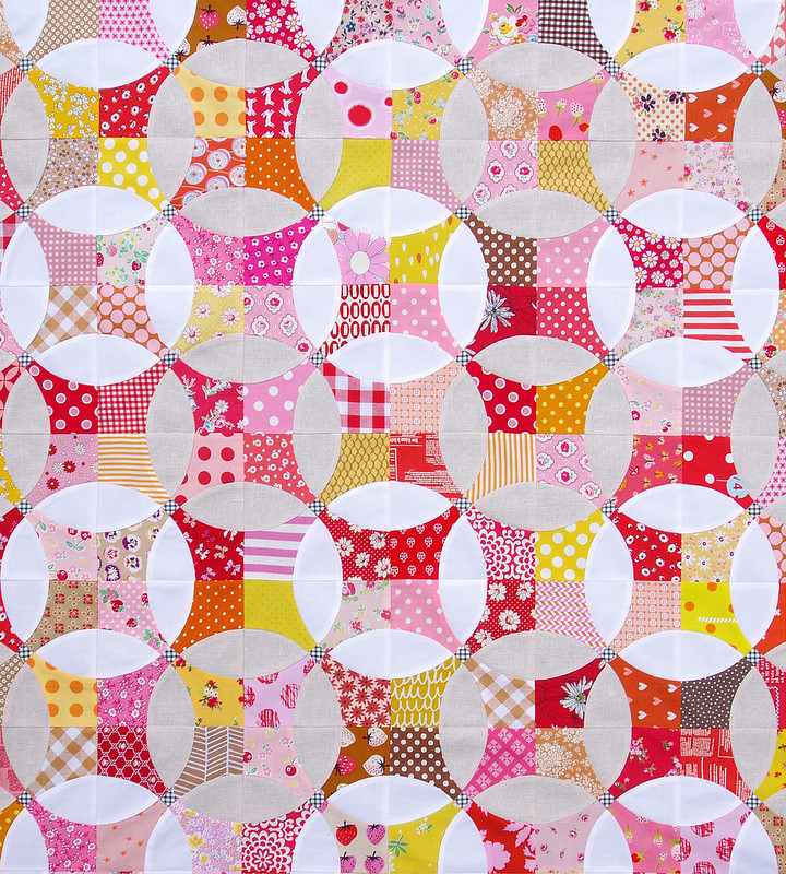 Berry Marmalade - A Flowering Snowball Quilt | © Red Pepper Quilts 2017