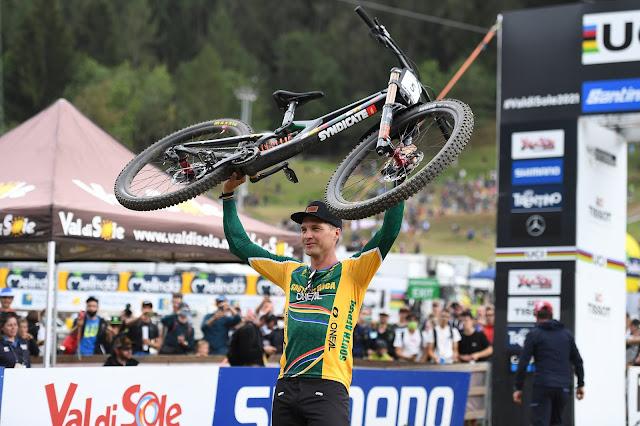 Greg Minnaar é novo campeão mundial de Downhill com quase 40 anos - Foto: UCI Mountain Bike