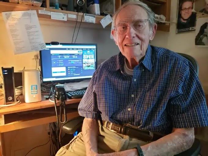 90 anos de idade gasta US $ 10 mil em anúncios para contar ao CEO da AT&T sobre seu lento serviço de internet