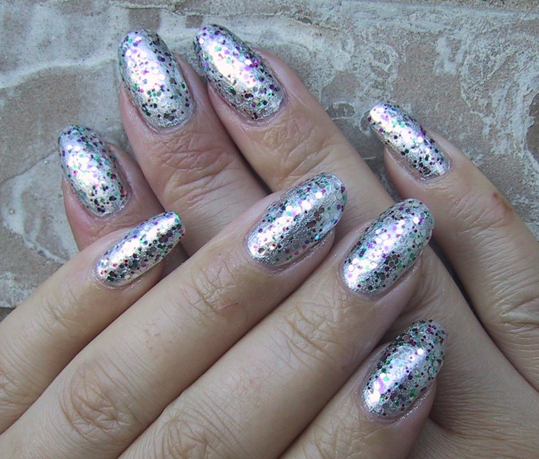 Art Designs: 40 Pretty Silver Nail Art Designs