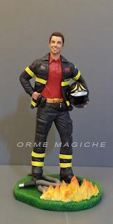 statuette pompieri vigili del fuoco divisa idea regalo marito vigile del fuoco orme magiche