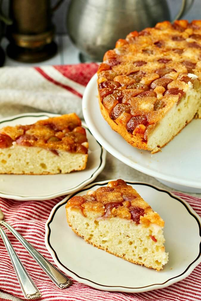 Grape Snack Cake with Winter Crunch Grapes