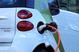 Los coches eléctricos y de combustión podrían igualar sus precios en 2022