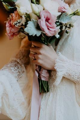 Ramo de novia con lazo en el puño