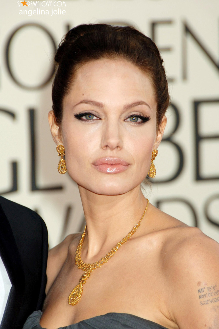 Angelina Jolie Look Using All Drugstore Makeup: Hollywood Celebrity Gossip: Hollywood Popular Acctres