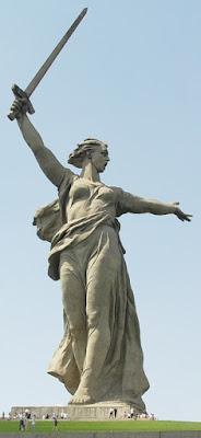 Patung Panggilan Motherland - Rusia