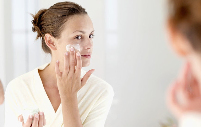 How To Avoid Skin Problems From Wearing A Face Mask For a Long Time!