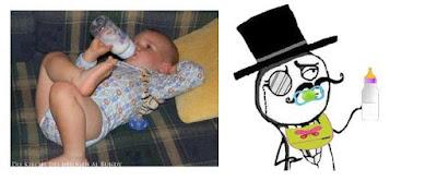 Witziges Baby nachdenklich mit Nuckelflaschen