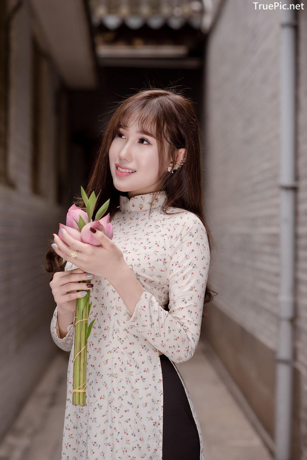 Image-Vietnamese-Beautiful-Girl-Ao-Dai-Vietnam-Traditional-Dress-by-VIN-Photo-2-TruePic.net- Picture-5