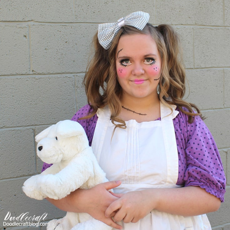 Creepy broken porcelain doll Halloween costume diy, easy last minute halloween costume idea