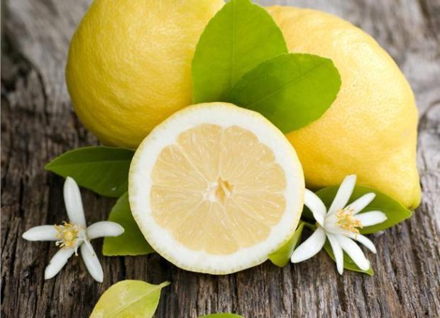 Τι θα συμβεί, όμως, αν κόψουμε μερικά λεμόνια και τα τοποθετήσουμε δίπλα στο κρεβάτι μας;