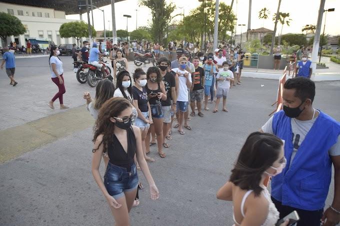 'Balada da Vacinação' contra a Covid-19 imuniza os jovens das faixas de 20 a 25 anos em Cariré