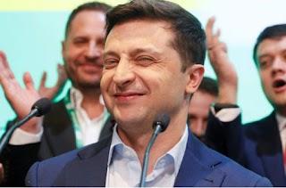 Більше ніяких мітингів: хитрий Зеленський вирішив побудувати каток під Офісом президента. ФОТО