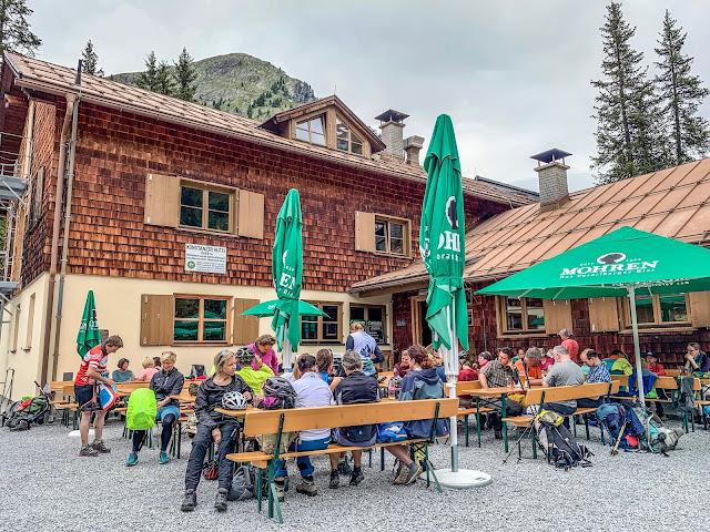 Mittagessen Hütte Arlberg