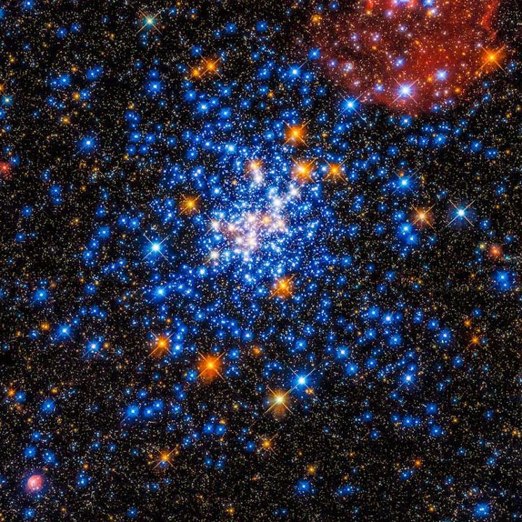 Uma dispersão de estrelas: um olhar do Hubble sobre NGC 330