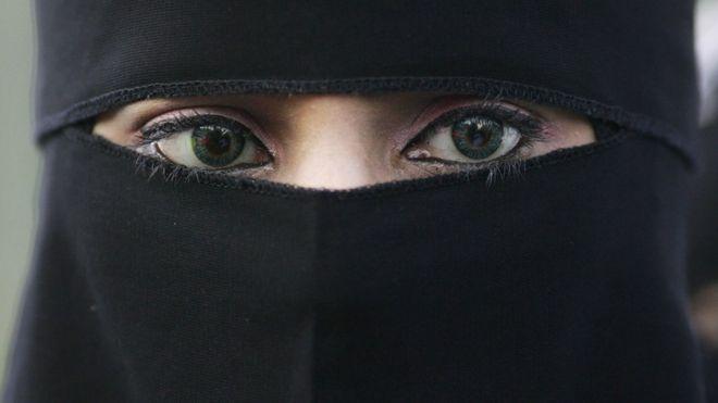 Burkini-bondage-burqa