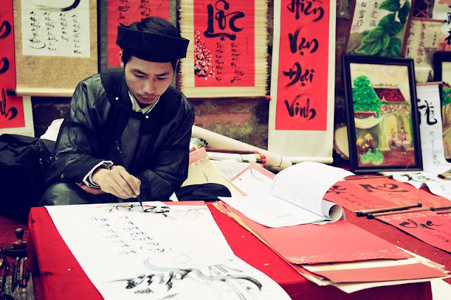 Parallel Sentences in Vietnamese New Year 2