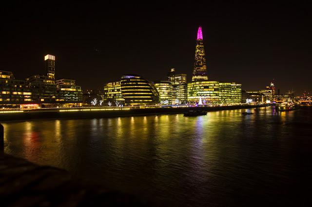 Panorama di Londra di notte