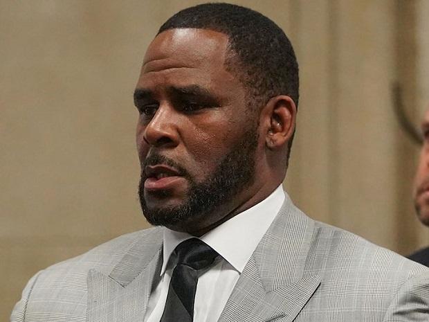 Le chanteur américain R. Kelly arrêté pour trafic d'êtres humains et pédopornographie