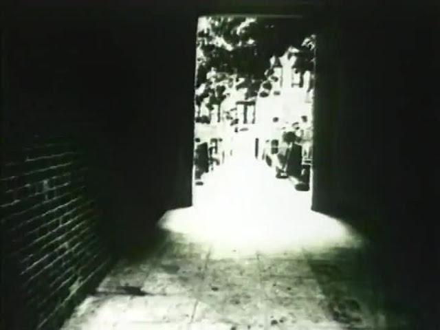 http://light-movement.blogspot.de/2017/05/light-movement-22-larry-gottheim.html
