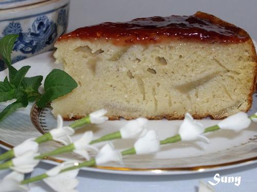 Bizcocho de peras y coco con mermelada de fresa (FC)