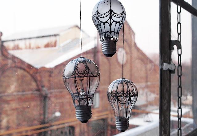 Diy: Pintar bombillas fundidas como globos aerostáticos