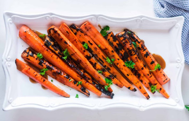 Grilled Carrots with Honey Brown Sugar Glaze #grilling #veggies
