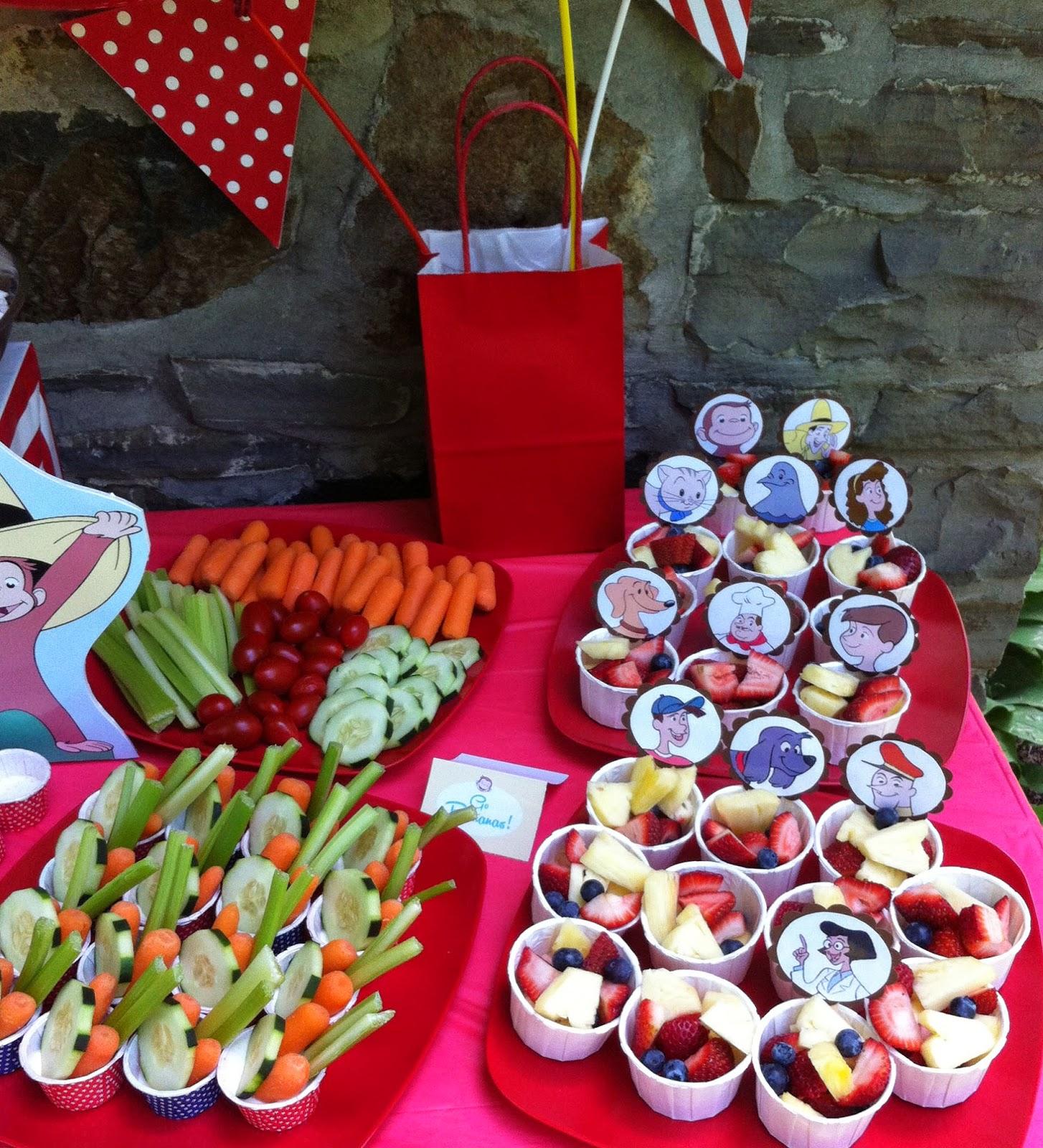 Ecoleeko: Curious George DIY Birthday Party- Decorating