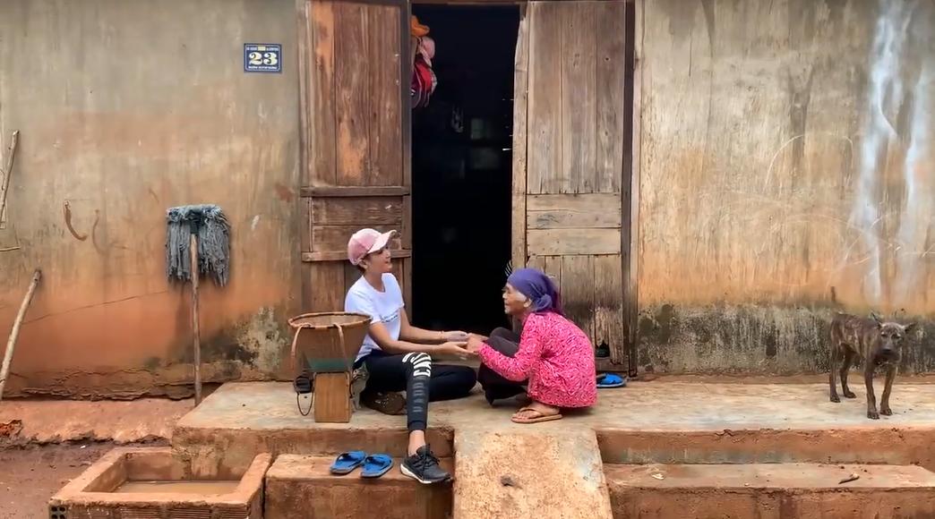 Miss Universe Vietnam's homecoming video